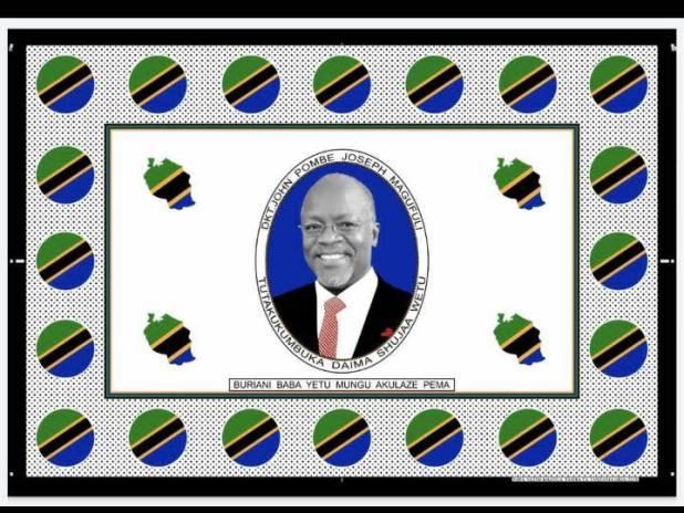 Un pagne tanzanien à l'effigie du défunt président, encadré de bulles aux couleurs du drapeau tanzanien.