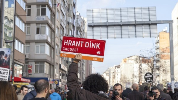Tens of thousands gather in Istanbul for Hrant Dink 19 January 2014 by BULENT SELCUK. Demotix.
