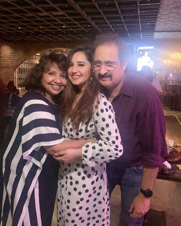 Sanaya Pithawalla Family