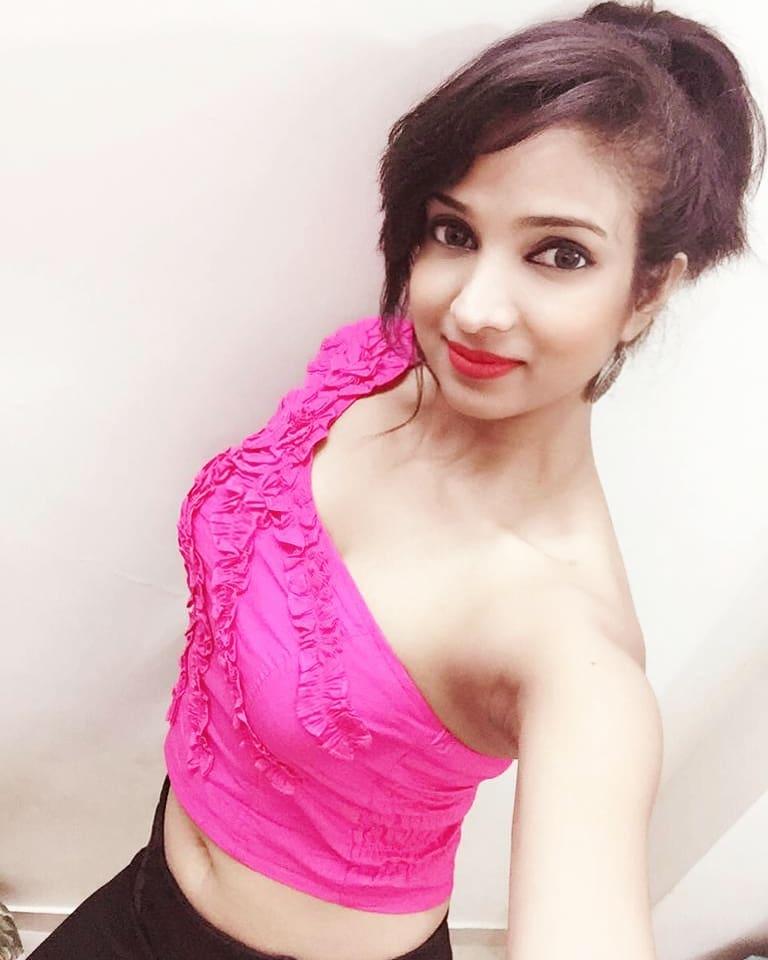 Garima Maurya Hot Look