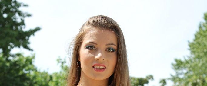 Roxy Bell