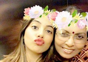 Nikki Tamboli with Her Mother Pramila Bodkhe Tamboli
