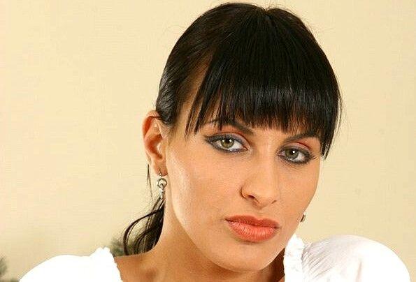 Veronica Vanoza