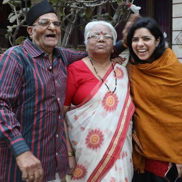 Rajshri Deshpande with Her Parents