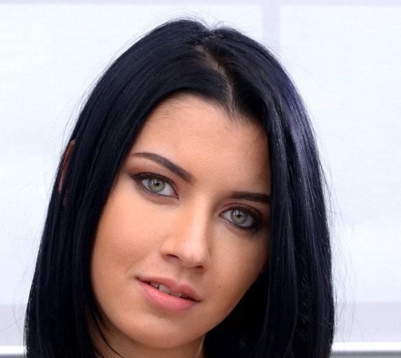 Nikki Vixon