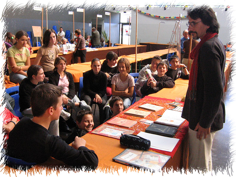 Avec collégiens au Salon du livre Orthez (64) - 2006