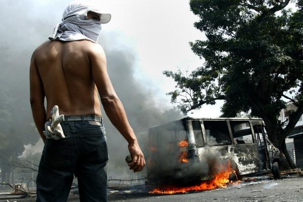 Resultado de imagen para manifestaciones violentas en venezuela