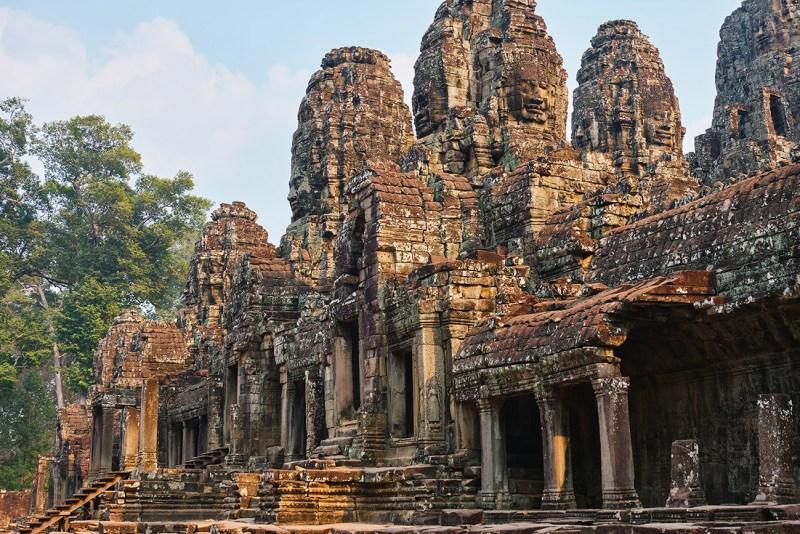 Temple de Bayon sur le site archéologique d'Angkor