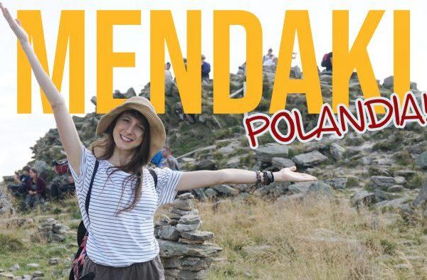 Mendaki Gunung di Polandia Globe in the Hat