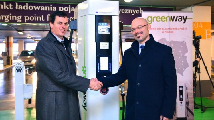 Otwarcie pierwszej stacji ładowania pojazdów elektrycznych w sieci Greenway