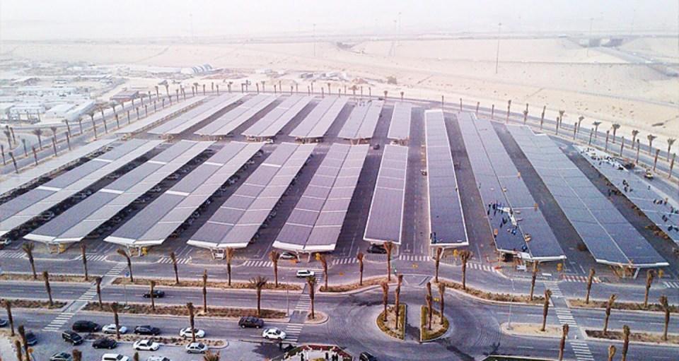 parking pokryty panelami PV w Arabii Saudy