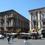 Terrasses de cafés et de restaurants à Catane