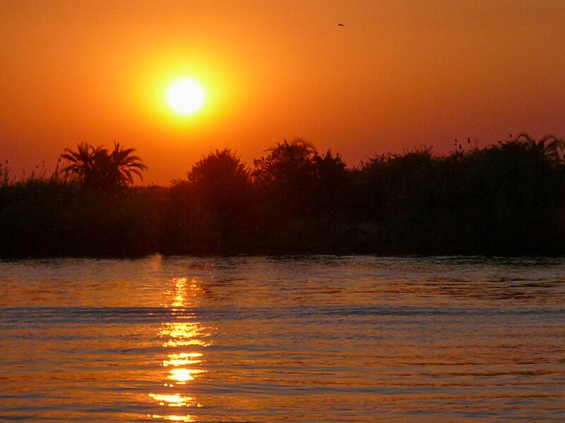Afrique australe - Botswana, Chobe - coucher de soleil sur la rivière Chobe