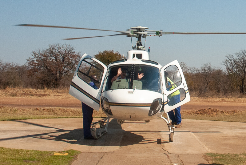 Afrique australe - Zambie, hélicoptère pour le survol des chutes