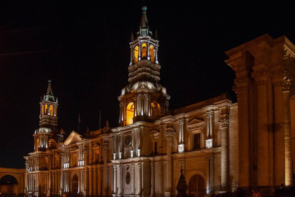 Pérou, Arequipa - La cathédrale de nuit