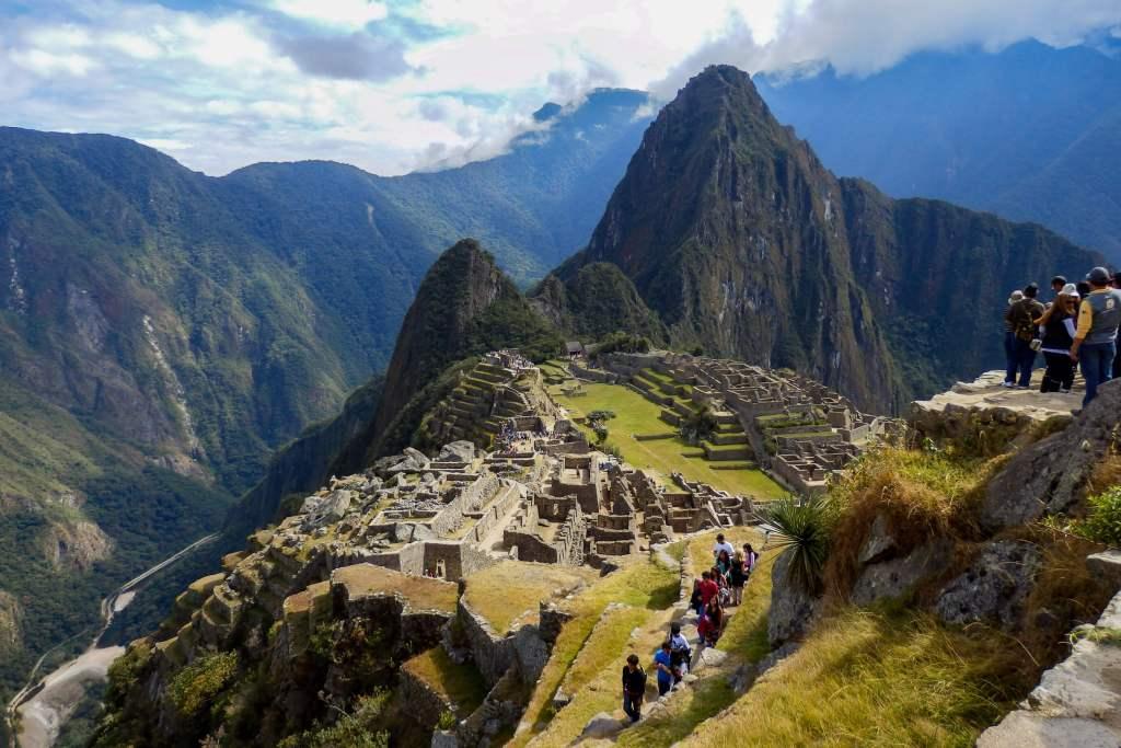 Pérou, Machu Picchu - Vue du site depuis la porte du soleil