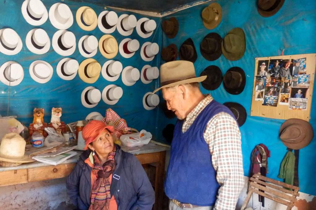 Pérou, Vallée sacrée - Maras, le chapelier et notre guide