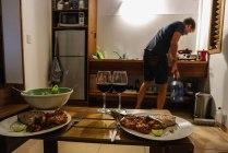 Nachtessen in unserem Bungalow