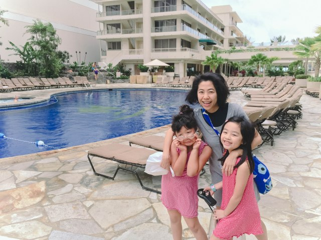 So happy to meet up in Hawaii, where the girls can literally stay in their swimsuits the entire day!
