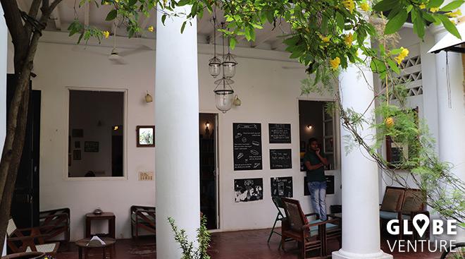 Hippster Cafe im kolonialen Prunk - das Cafe des Arts Pondicherry