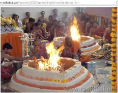 Yajna during Hindu Worship