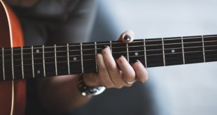 How High Should The Action Be on an Acoustic Guitar