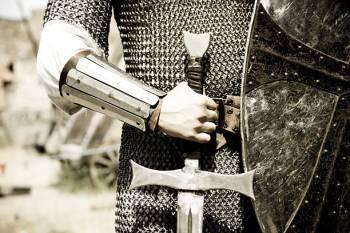 Qual é o significado da carta de tarô do Cavaleiro de Espadas?