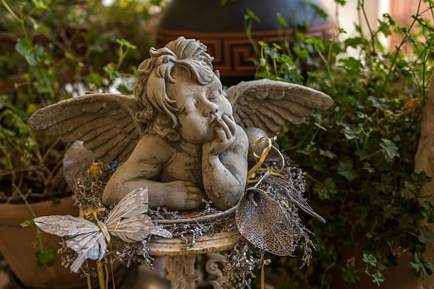 Anjo número 9900 e seu significado e simbolismo