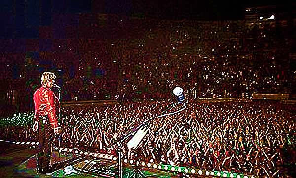 David Bowie sur la scène à Nîmes