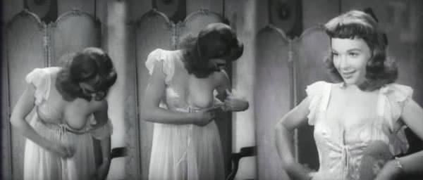 Françoise Arnoul les seins à l'air
