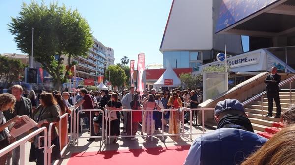 Cannes 2019, au pied les marches !