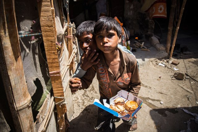 Poor nutrition is the cause of 45 percent of deaths of children aged under five; that is 3.1 million children each year. One out of six children in developing countries is underweight, according to the World Food Programme.