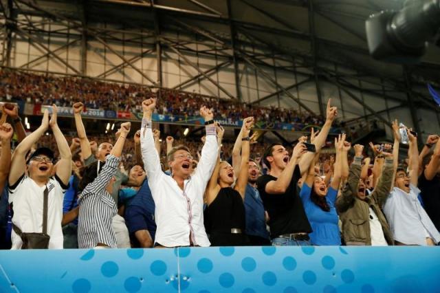 Football Soccer - Germany v France - EURO 2016 - Semi Final - Stade Velodrome, Marseille, France - 7/7/16 France fans celebrate  REUTERS/John Sibley Livepic