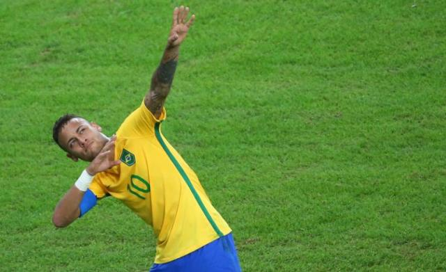 2016 Rio Olympics - Soccer - Final - Men's Football Tournament Gold Medal Match Brazil vs Germany - Maracana - Rio de Janeiro, Brazil - 20/08/2016. Neymar (BRA) of Brazil celebrates scoring their first goal. REUTERS/Murad Sezer
