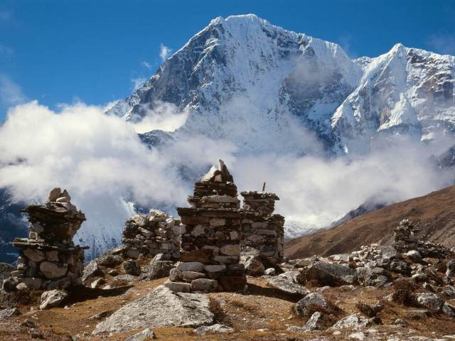 Memorials for climbers lost on Everest © Image by Andrzej Stajer / Getty Images