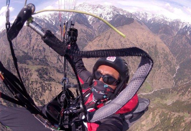 cumulus-clouds-nepal-paragliding-3
