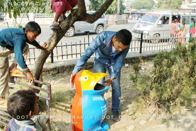 nepalese-students-club-fiber-dustbin-4