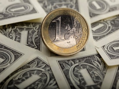 EUR/USD انخفض في نهاية دورة الولايات المتحدة بواسطة Investing.com
