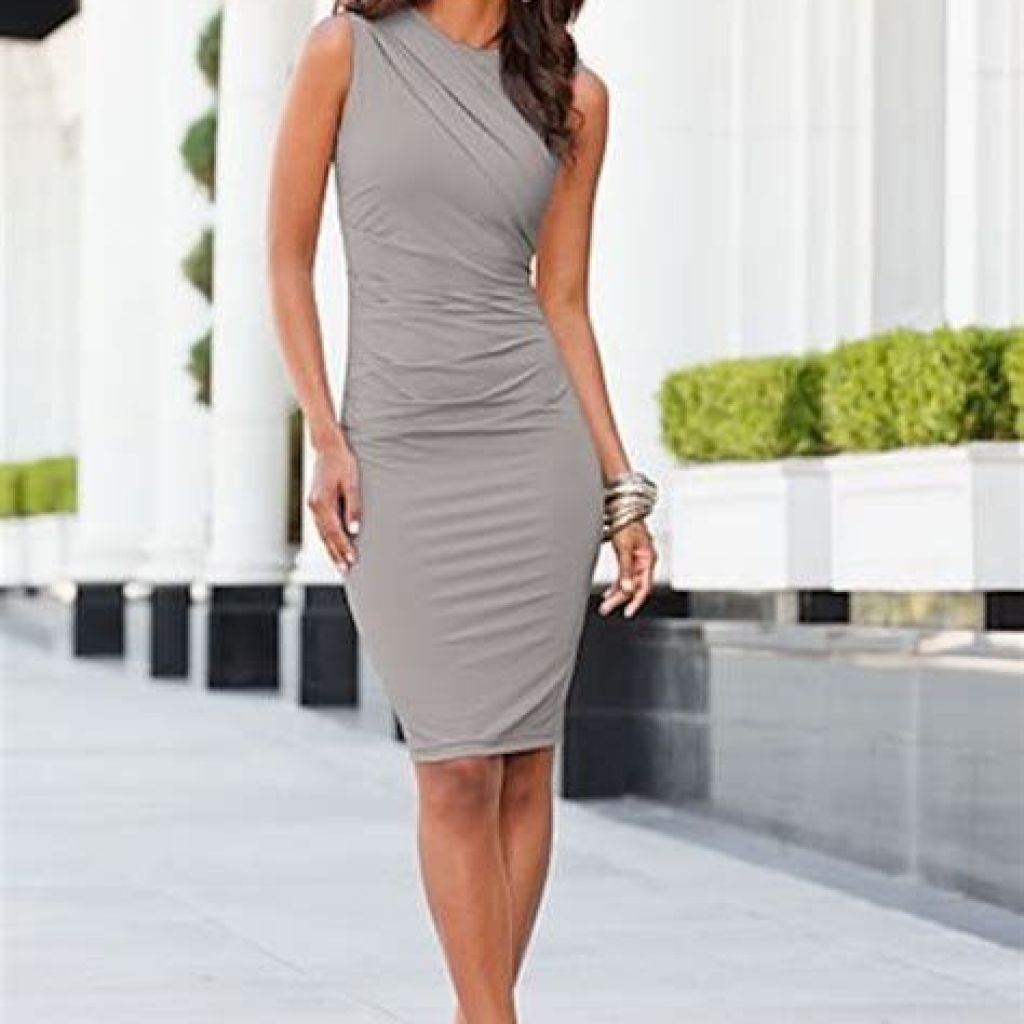 Adorable Fall Wedding Guest Outfits Ideas 13
