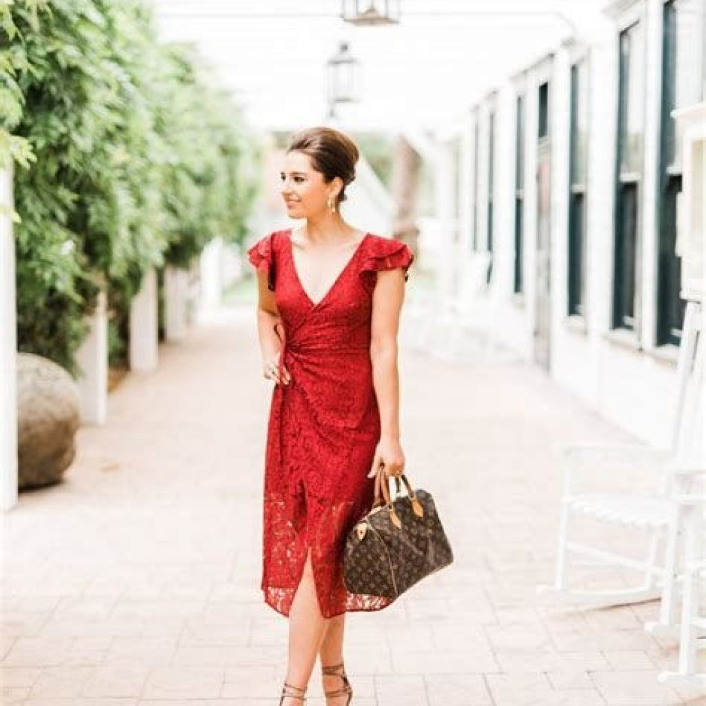 Adorable Fall Wedding Guest Outfits Ideas 17