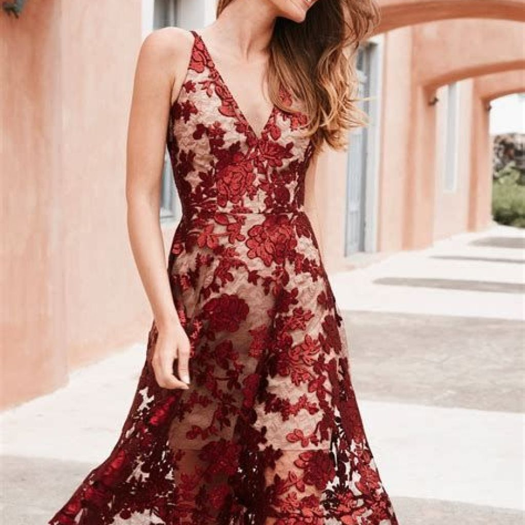 Adorable Fall Wedding Guest Outfits Ideas 36