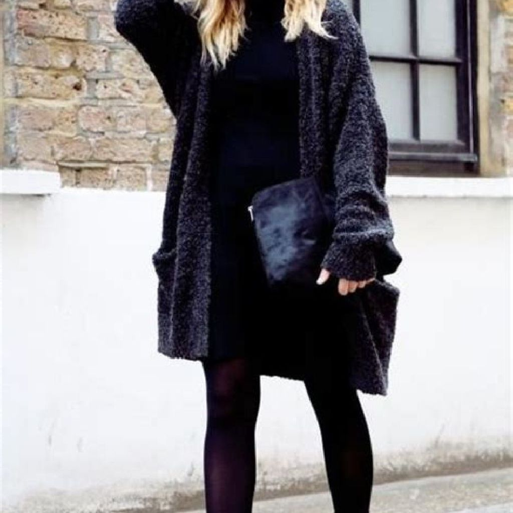 Adorable Sweater Style Ideas For Your Fall Season 13