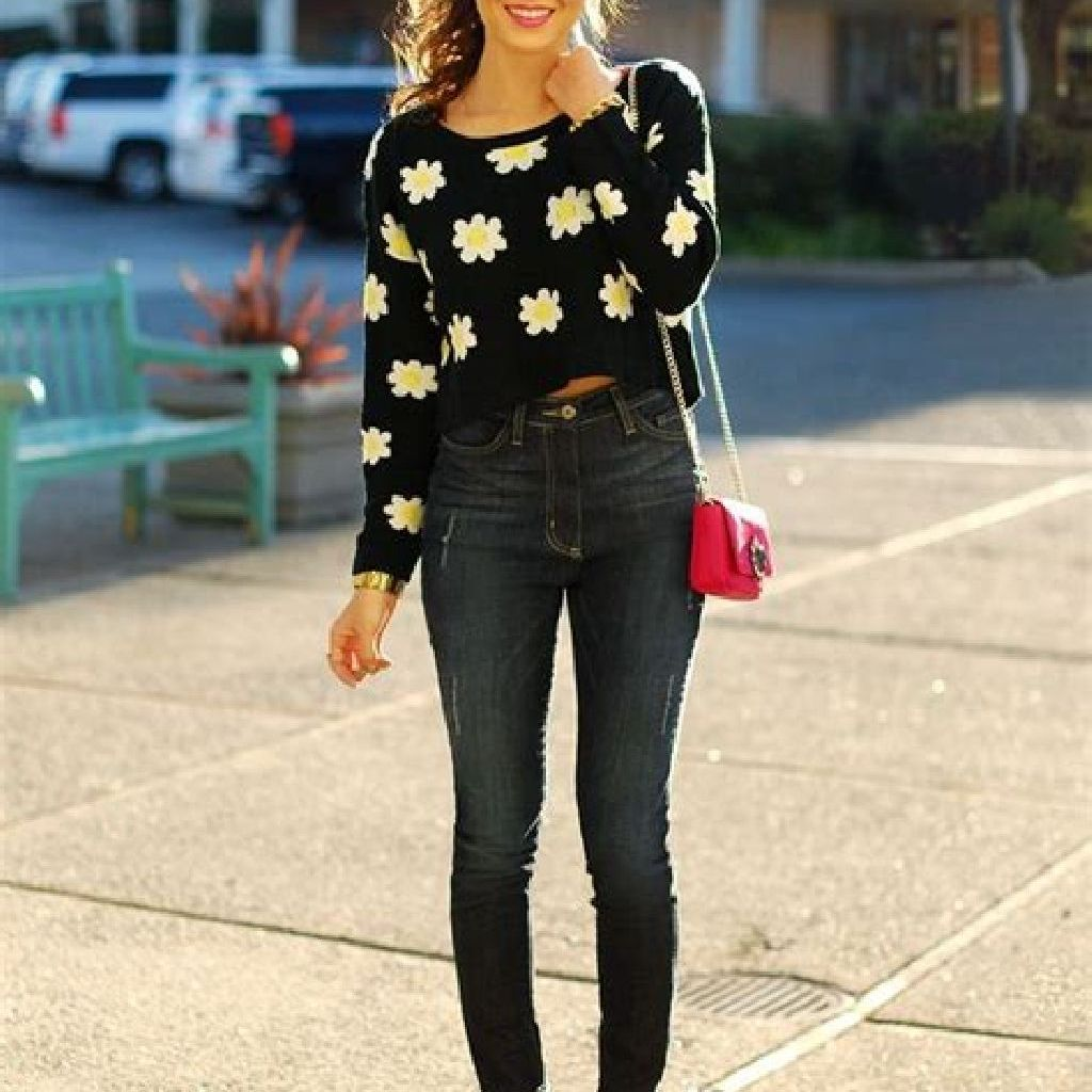 Adorable Sweater Style Ideas For Your Fall Season 19