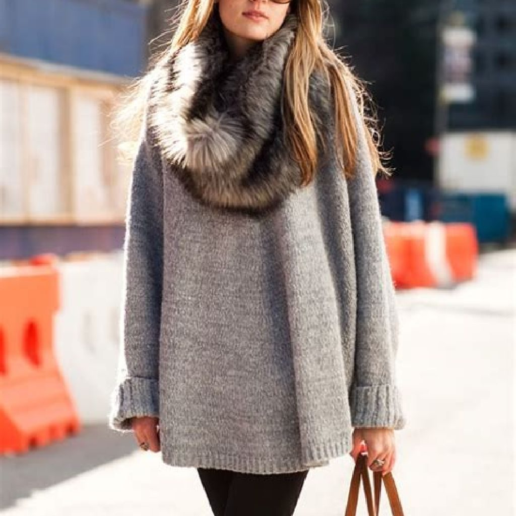 Adorable Sweater Style Ideas For Your Fall Season 20