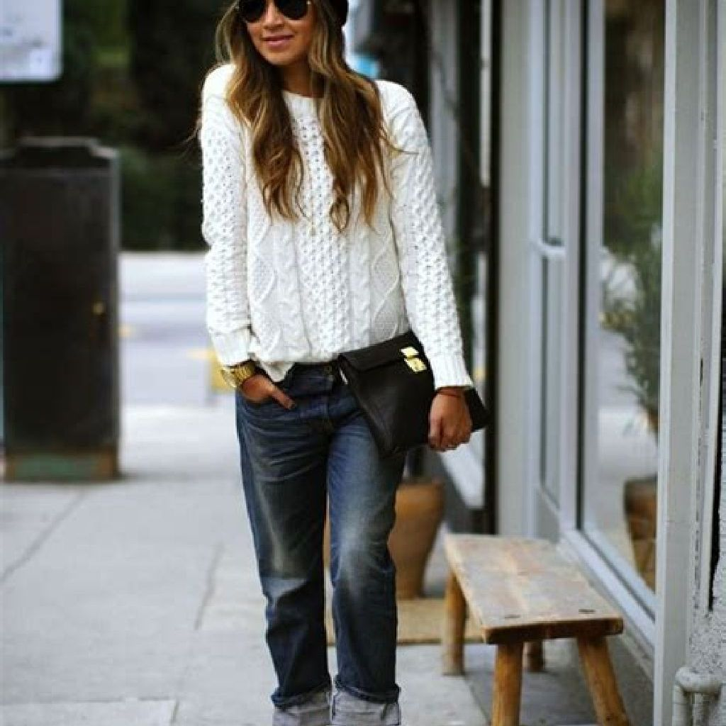 Adorable Sweater Style Ideas For Your Fall Season 24