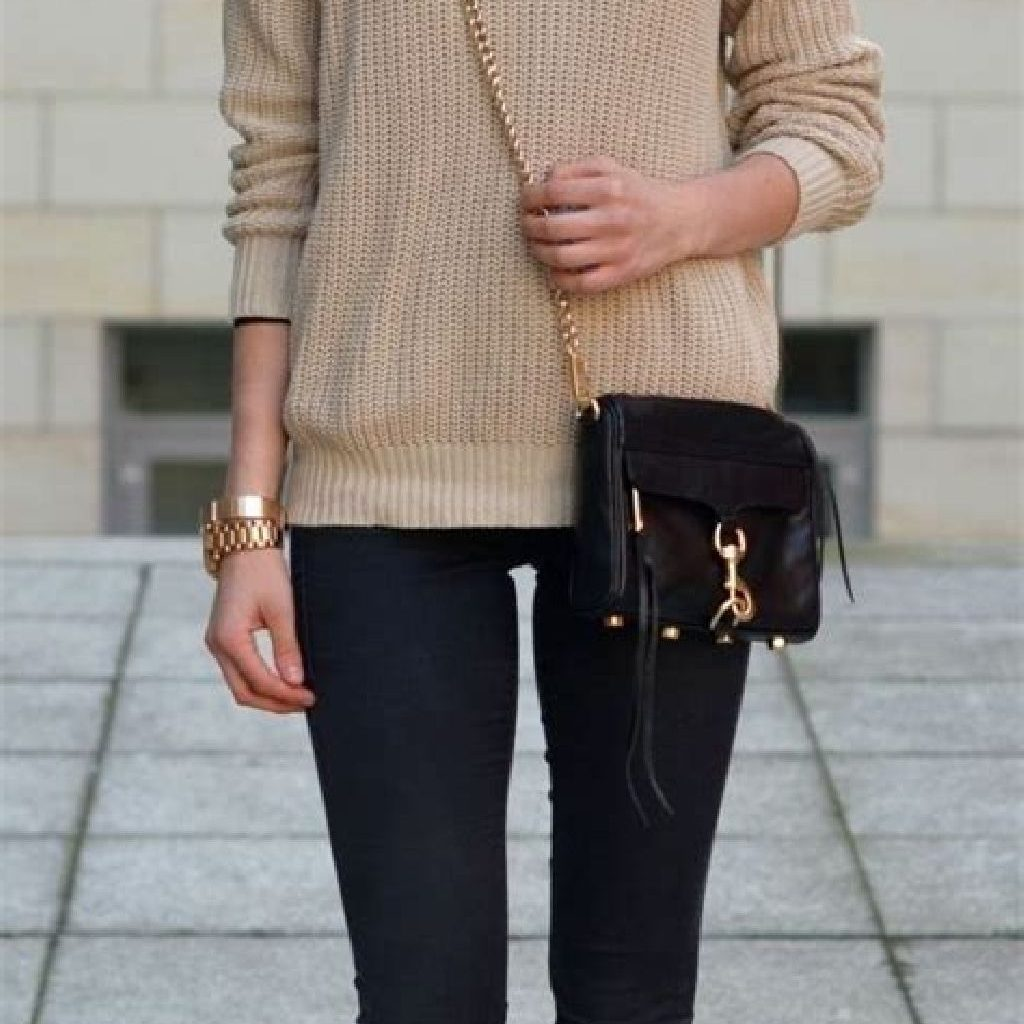 Adorable Sweater Style Ideas For Your Fall Season 28