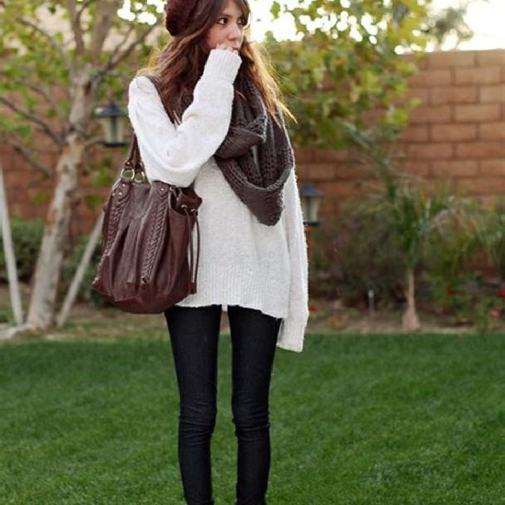 Chic Sweater Combination Ideas Suitable For Fall And Winter 09