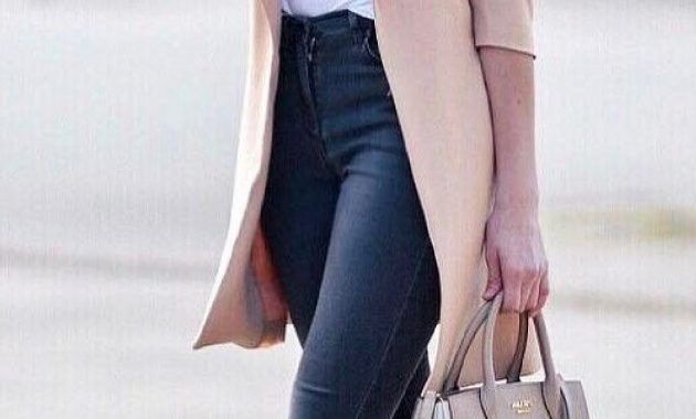 Cute And Trendy Fall Outfits Ideas 35