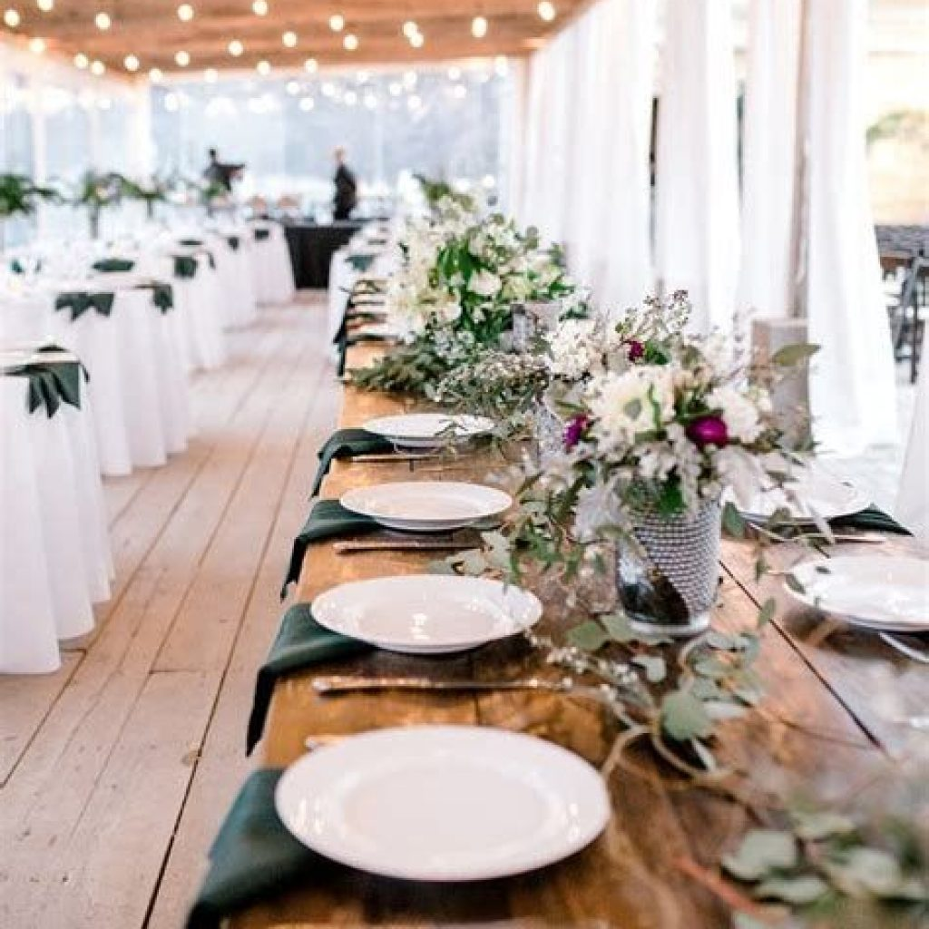 Romantic Rustic Wedding Decor Ideas 15