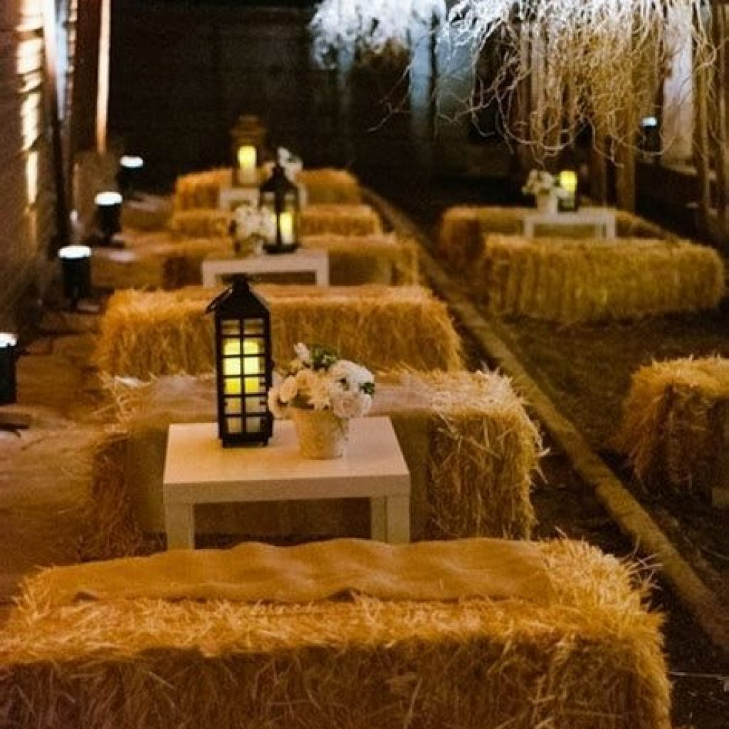 Romantic Rustic Wedding Decor Ideas 28